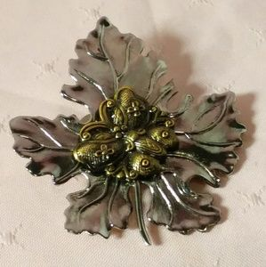 Vintage Maple Leaf w Butterfly Clip on Brooch Pin